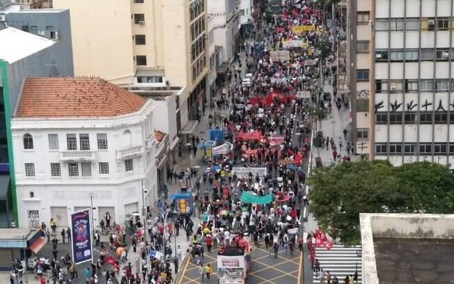Ato contra Bolsonaro no Centro de Campinas.