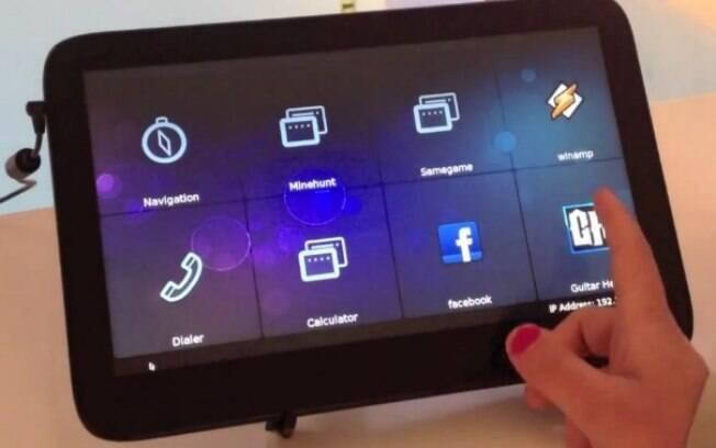 Tablet com Tizen, exibido em evento para desenvolvedores