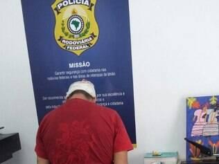 Peruano estaria irregular no país, segundo a Polícia Federal