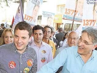 Fernando Pimentel fez campanha ontem na cidade de Divinópolis