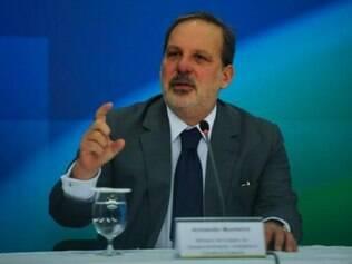 Armando Monteiro Neto destaca que cortes no Orçamento serão definidos a partir de um