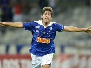 Lucas Silva deve ser mantido como titular diante do Bahia, nesta quarta-feira, na Fonte Nova