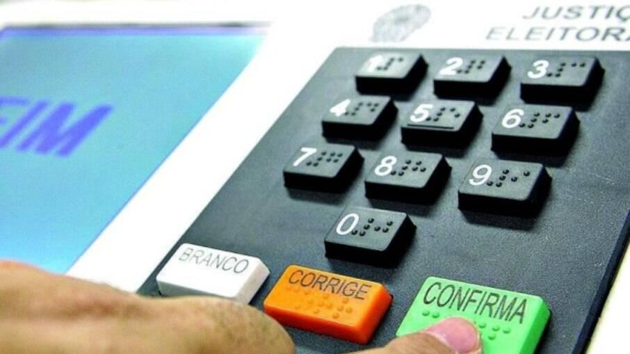 Voto impresso custaria pelo menos R$ 2,5 bilhões aos cofres públicos, estima o TSE