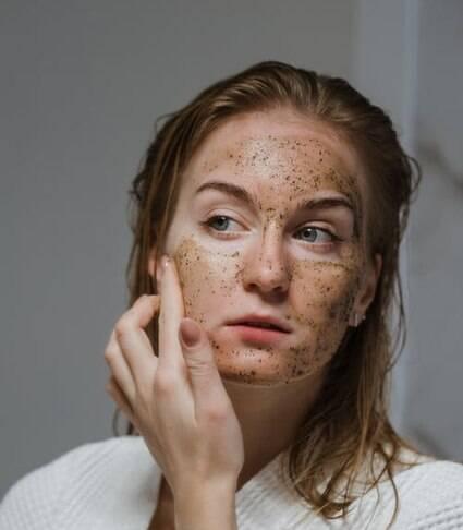 Ingredientes naturais, como argila e azeite, são ótimos para pele