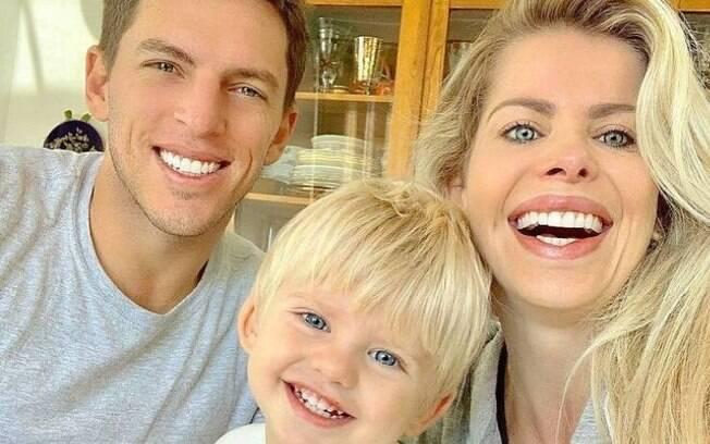 Karina Bacchi e a família