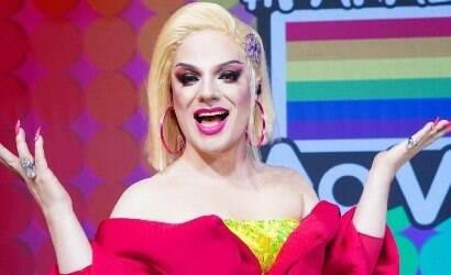 Lorelay Fox critica oportunismo no Mês do Orgulho LGBTQIA+
