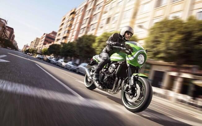 Tal como a Kawasaki Ninja, a Z900RS Café toma como base a moto velocidade, mas remonta os anos 70