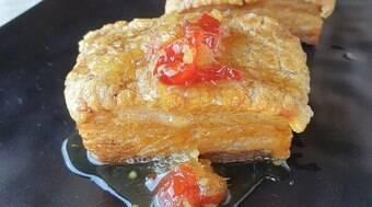 Faça a barriga de porco com geleia de gengibre da chef Saschi