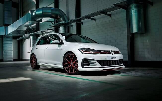VW Golf GTI Oettinger: preparação com aval dos alemães disponível no Brasil deixa o hatch esportivo com 300 cavalos