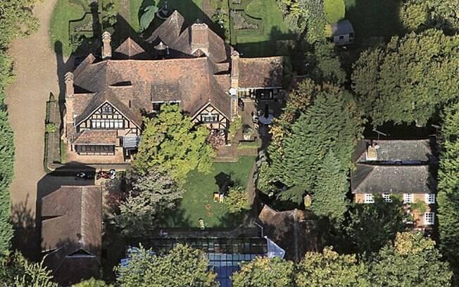 Vista aérea da Whornes Place, propriedade que o casal Jolie-Pitt comprou em Londres por R$ 30 milhões