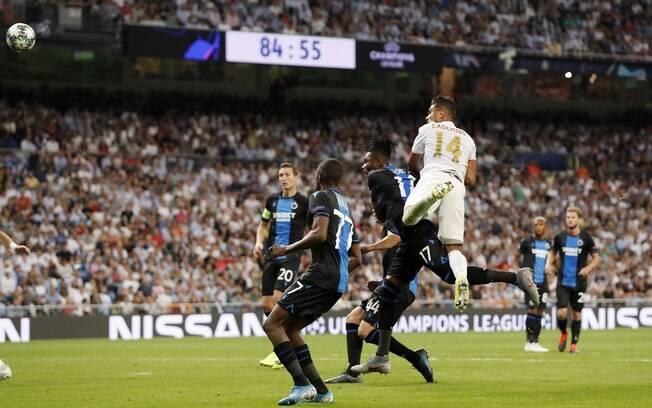 Casemiro marca no fim da partida e Real Madrid empata com Club Brugge
