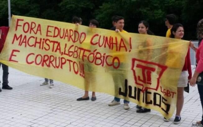 Manifestantes de movimentos LGBT e feministas protestam contra Cunha, em ato ocorrido em março em São Paulo