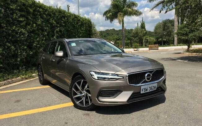 Novo Volvo V60 traz a nova linguagem visual e sensorial da marca, com personalidade que combate os alemães de frente