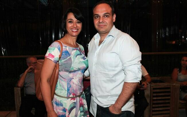 Após 27 anos de casamento, Cátia Fonseca se separou e acabou se apaixonando pelo diretor de seu programa, Rodrigo Riccó