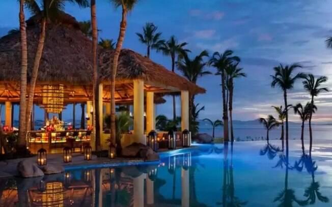 Entre os hotéis de luxo, o One&Only Palmilla Resort conta com quase 180 quarto e duas piscinas externas; veja detalhes