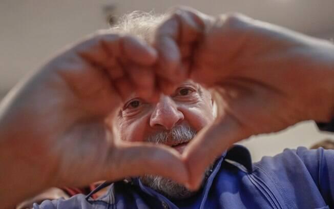 Preso desde abril após condenação na Lava Jato, ex-presidente Lula teve namoro divulgado neste fim de semana