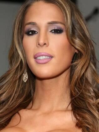 Público fez petição para que Carmen Carrera seja nova modelo da Victoria's Secret