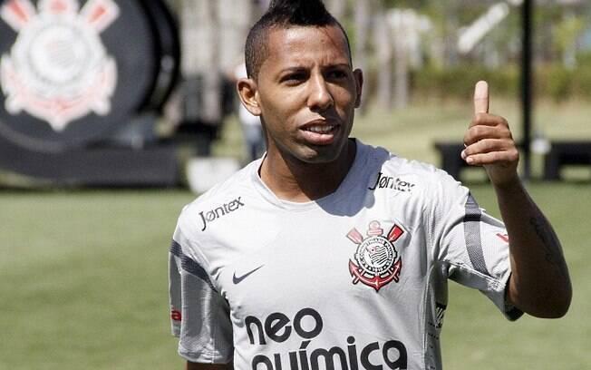 Vitor Junior em ação no Corinthians