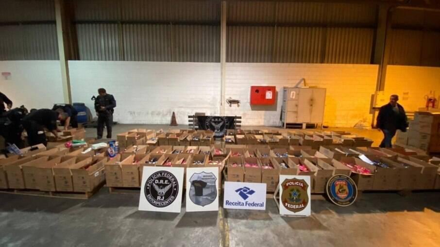 Cocaína apreendida no porto do Rio estava escondida em caixas de sabão em pó para tráfico internacional