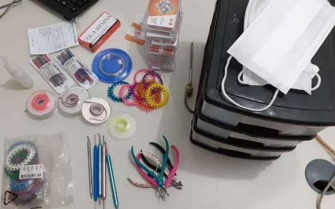 Adolescentes de 15 anos realizavam aplicação de aparelho odontológico de forma clandestina.