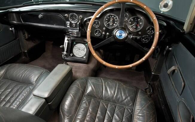 Aston Martin DB5: veja os truques do carro mais conhecido ...