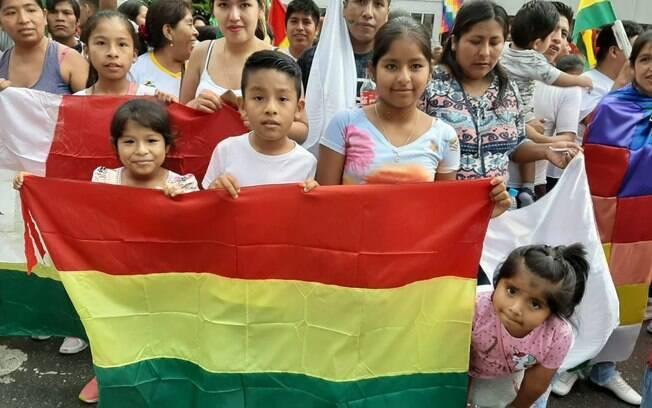 Crianças também participaram de ato em solidariedade ao povo boliviano