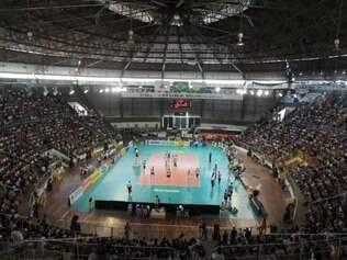 Mais de 9.000 pessoas compareceram ao ginásio Tancredo Neves