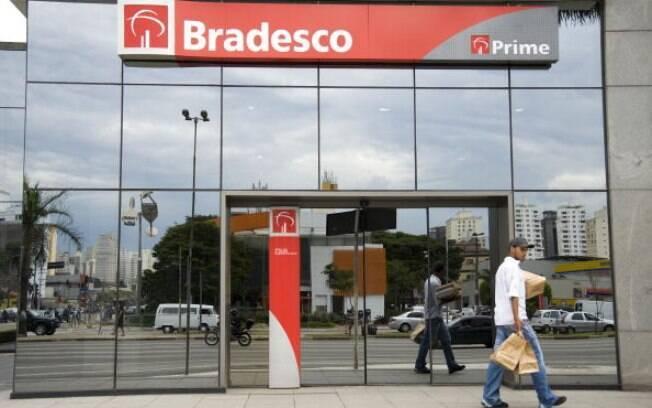Bradesco e Santander ocupam o segundo e terceiro lugar da lista de reclamações de clientes, aponta Banco Central