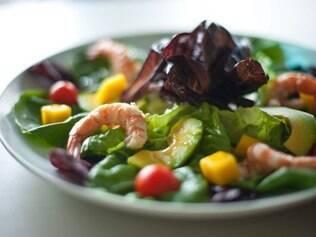 Salada de camarão e abacate do chef Raffaele Autorino, do Pecatore