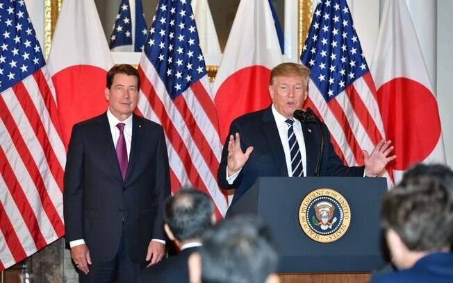 No Japão, Trump defende novo acordo nuclear com o Irã