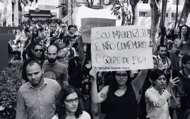 Protesto contra Bolsonaro no Mackenzie teria motivado o cancelamento da visita do presidente à universidade