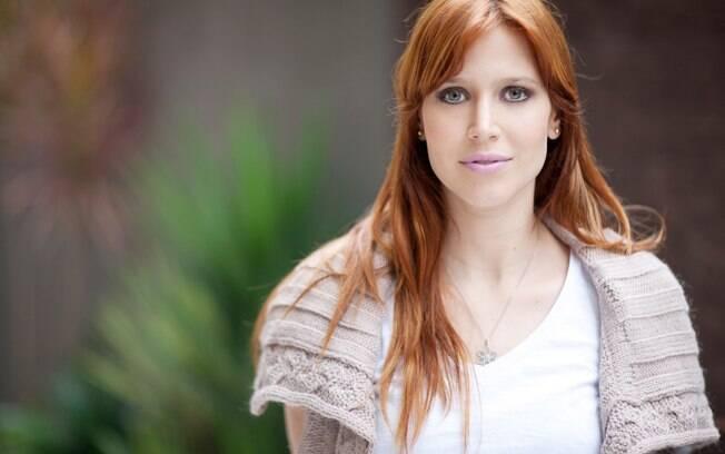 Mel Lisboa volta para casa após dar à luz Clarice, sua segunda filha com o músico Felipe Roseno