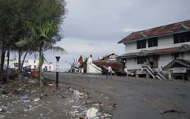 Rua do centro de Banda Aceh, Indonésia, após tsunami (arquivo). Foto: Wikimedia Commons