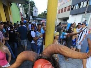 CIDADES - BELO HORIZONTE - MG . CONCENTRACAO DO BLOCO DOIS LA DOIS CA NO BAIRRO PRADO EM BH . NA FOTO REGINALDO JIMENEZ . FOTO: MOISES SILVA / O TEMPO 22-2-2015