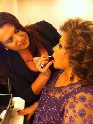 Jussara Meirelles batalhou para ser uma cabeleireira e maquiadora de sucesso. Ela já maquiou a cantora Ângela Maria