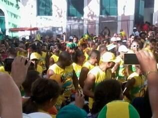Olodum agita o Pelourinho antes do jogo do Brasil contra o México
