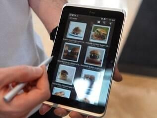 HTC Flyer tem corte de preço nos EUA para concorrer com Kindle Fire
