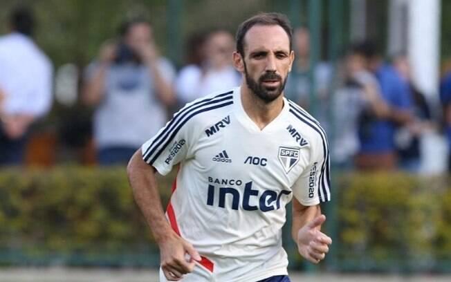 Juanfran falou sobre sua experiência no futebol brasileiro