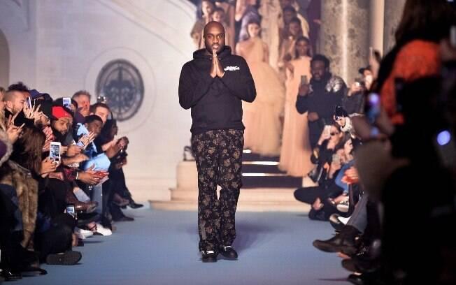 No inicio da carreira, Virgil Abloh trabalhou com Kanye West como diretor criativo de sua marca