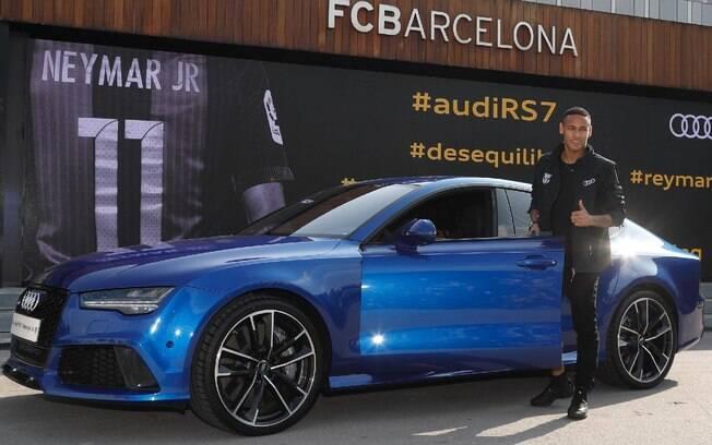 Audi RS7 Performance: o atacante do time do Brasil, Neymar Jr, ganhou da Audi um RS7 Performance