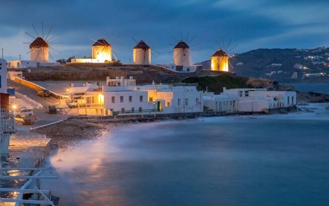 Míkonos é tendência entre homens gays há um bom tempo e pode ser o destino certo na Grécia para quem é LGBT