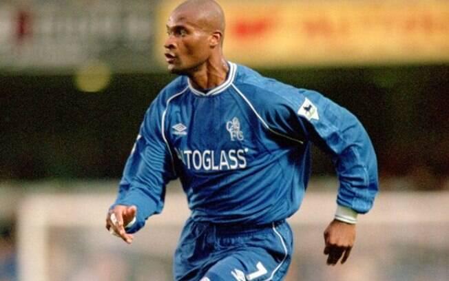 Winston Bogarde jogou no Chelsea de 2000 a 2004, mas pouco fez