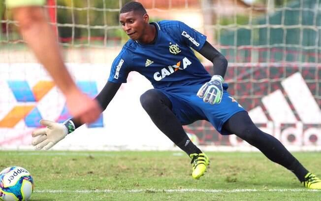 Goleiro Hugo, do Flamengo, foi uma das novidades na lista de Tite