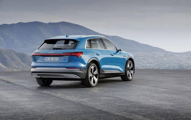 Audi e-tron desenho moderno condiz com a proposta do primeiro SUV elétrico da marca alemã