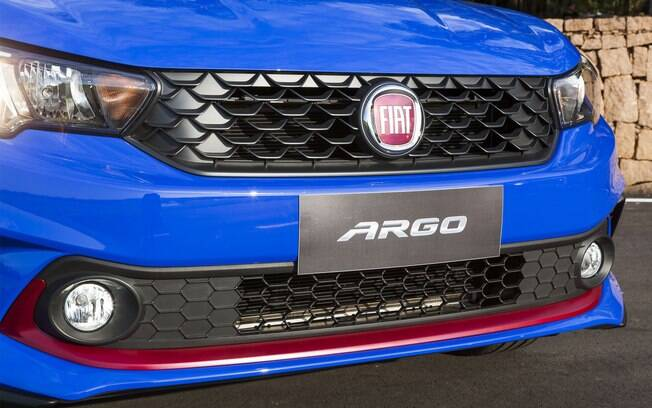 Fiat argo hgt x vw up pepper tsi dupla de hatches for Fiat argo immagini