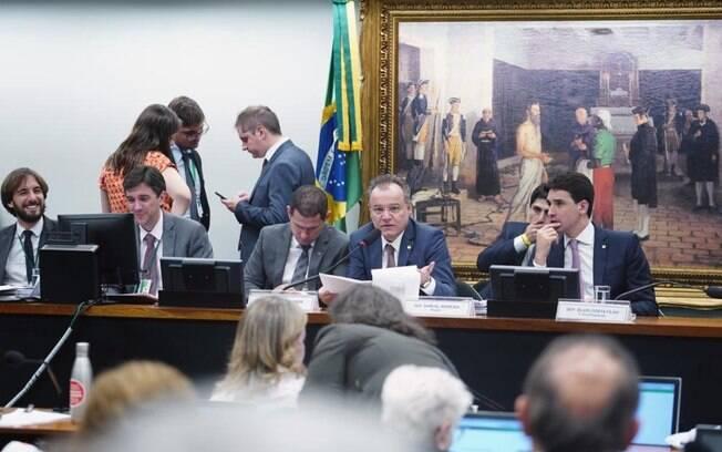A comissão especial da reforma da Previdência aprovou na madrugada da quinta-feira os destaques da proposta