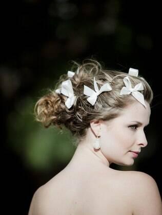O melhor penteado é aquele que leva em conta o vestido, o comprimento do cabelo e o estilo da noiva