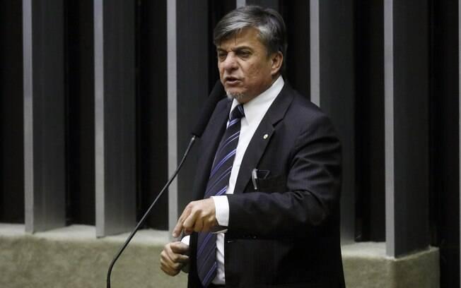 Conheça o deputado que entregou troféu para o ministro Sergio Moro em sessão da CCJ