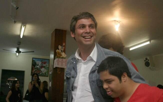 Lindberg Farias, senador pelo PT do RJ, é suspeito de ter pedido dinheiro a Paulo Roberto Costa