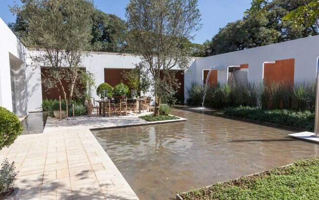 Aconchego, praticidade e integração com a natureza são as marcas do projeto assinado por Ana Maria Vieira Santos